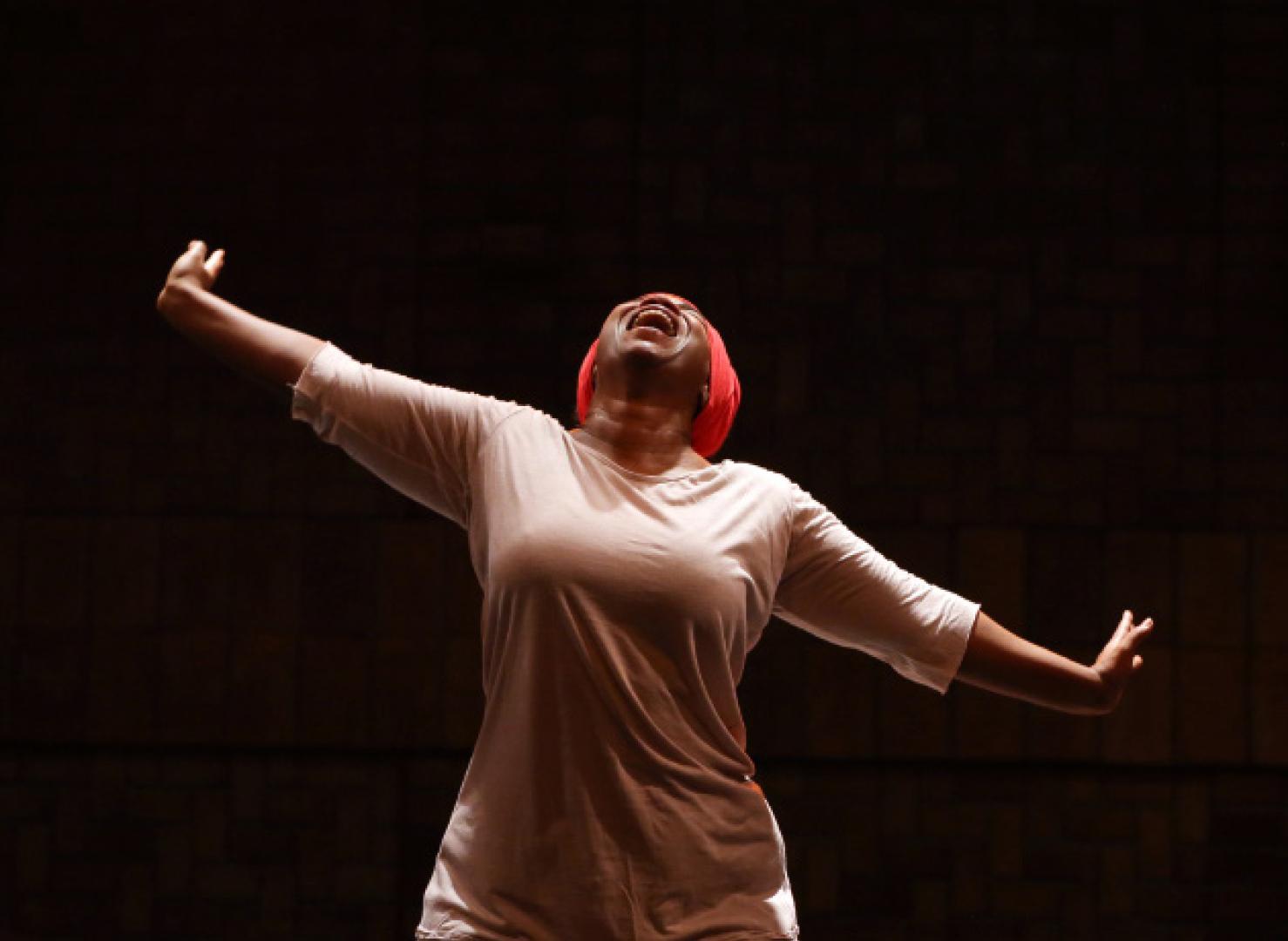 Chantal Loïal danse les mémoires de l'esclavage et du colonialisme