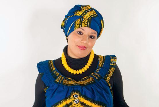Carte «blanche» à… Samia Orosemane